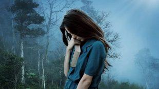 Mejna osebnostna motnja se v glavnem kaže v negativni samopodobi in odnosu do sveta